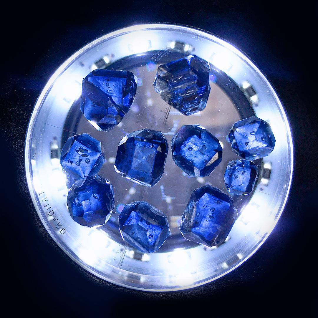 В лаборатории Syntechno получены крупнейшие голубые HPHT алмазы